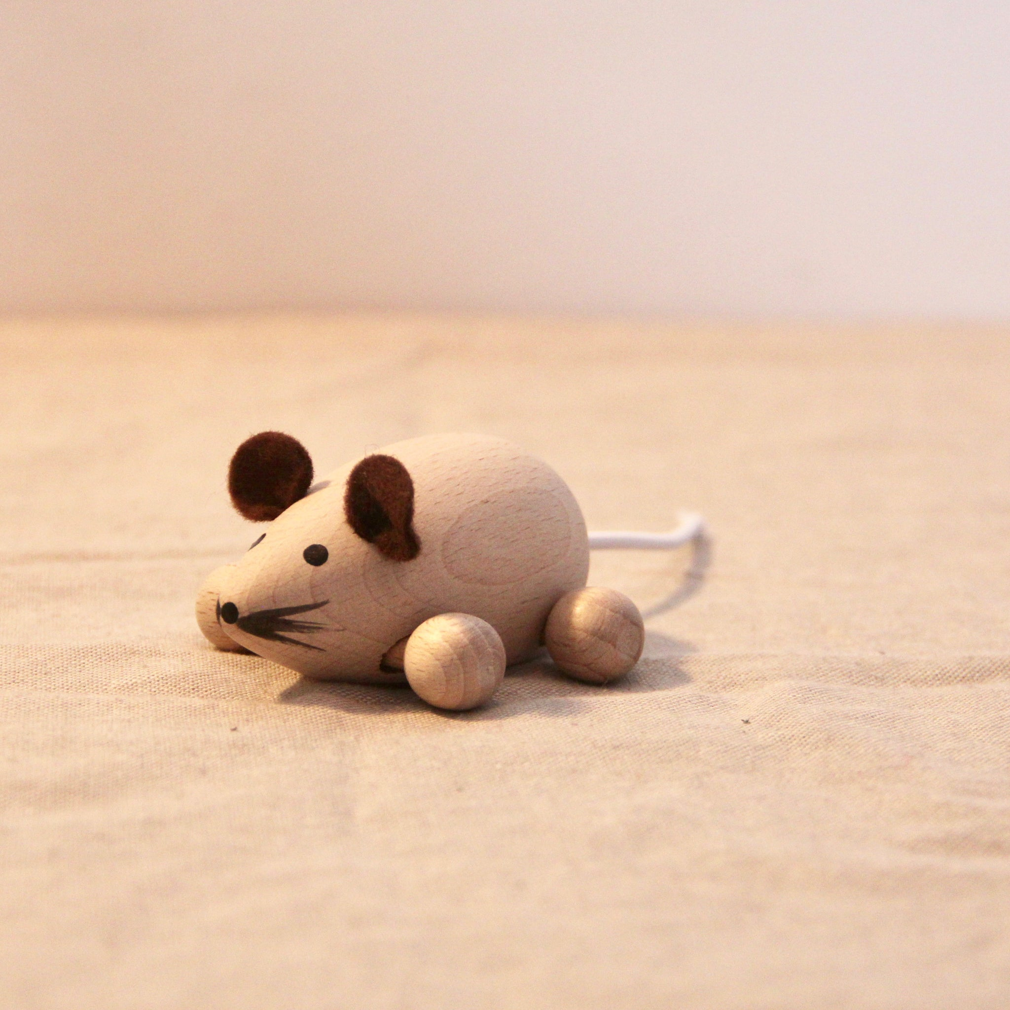 Little Wooden Mouse with Wheels