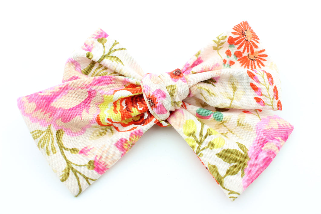 August Floral Bow