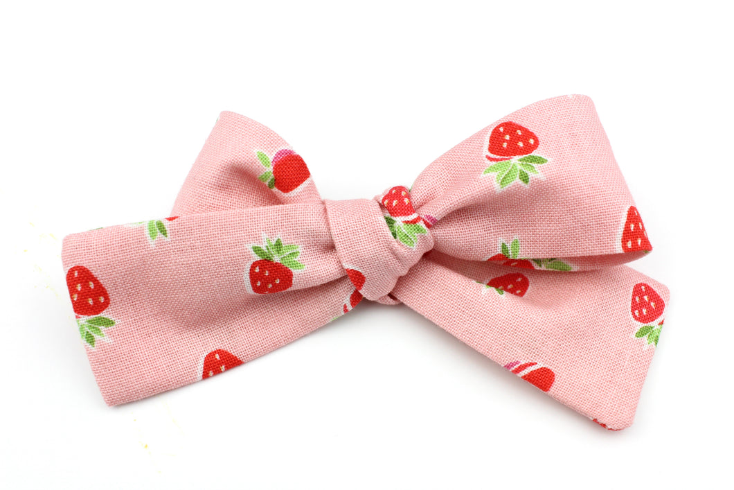 Strawberry Petite Bow
