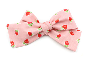 Strawberry Classic Bow