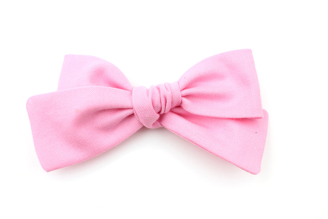 Carnation Petite Bow
