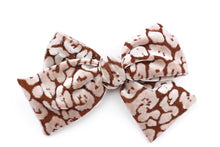 Load image into Gallery viewer, Leopard Velvet Brown Bow