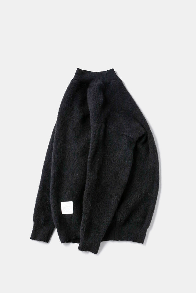 00′ Russian Black Sweater