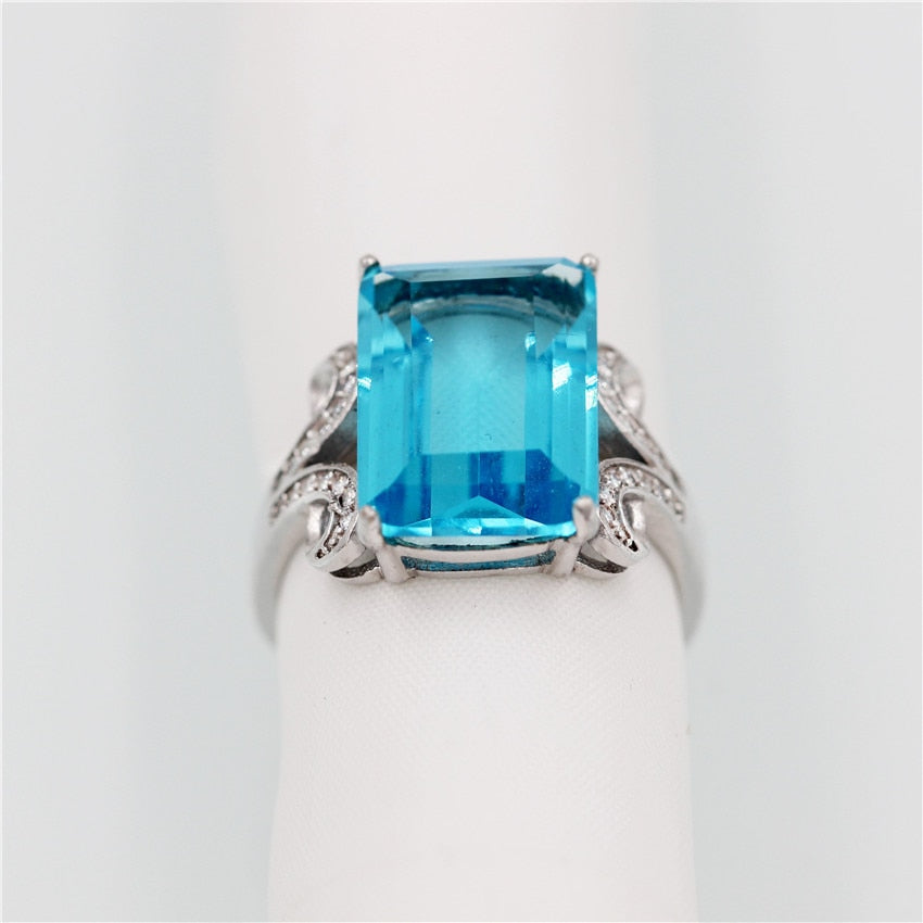 2019 New 8ct-Rectangle, Light-Blue-Topaz, Emerald-cut Ring