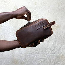 Load image into Gallery viewer, handmade Leather Dopp kit brown