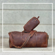Load image into Gallery viewer, Leather duffle and weekender bag brown