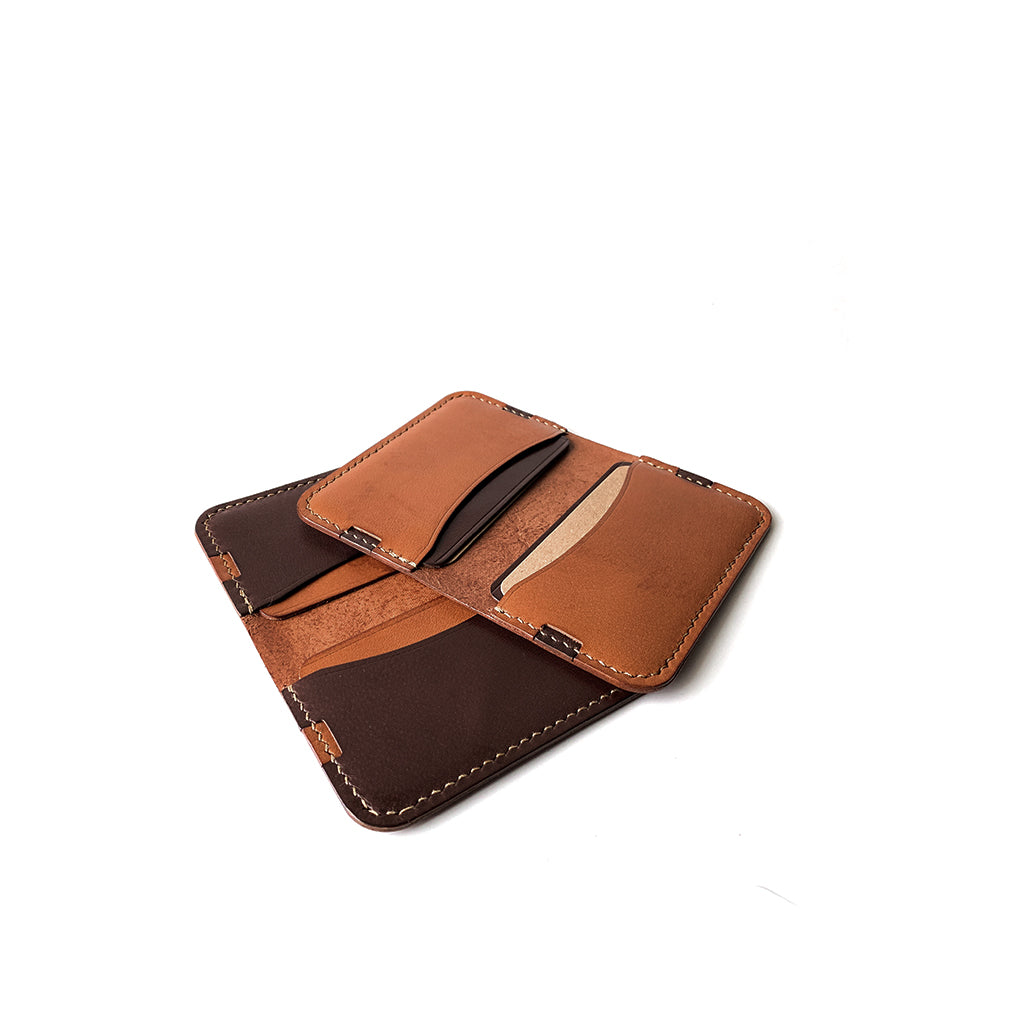 Leather minimalist card holder - brown and tan