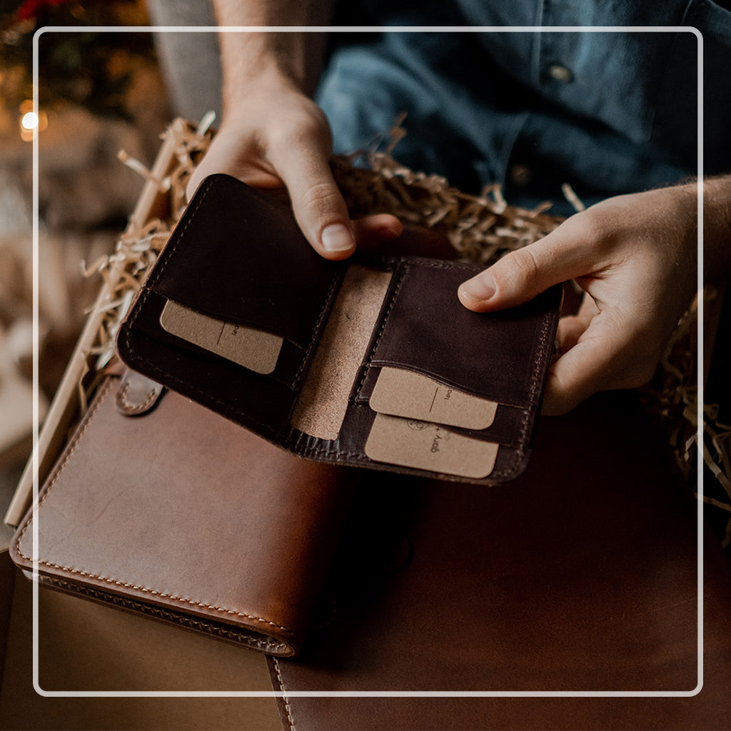 best credit card holder for mens gift | Brown