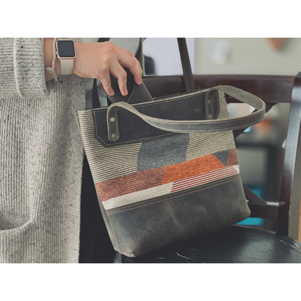 Women's tote bags with zipper
