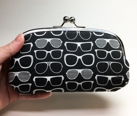 Kisslock Eyewear Case - Eyeglasses