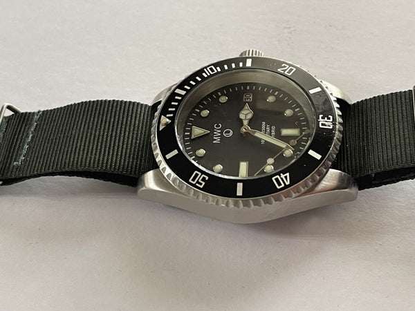 MWC 300m / 1000ft Stainless Steel Hybrid Military Divers Watch - Running but Might Need a Capacitor Replacement