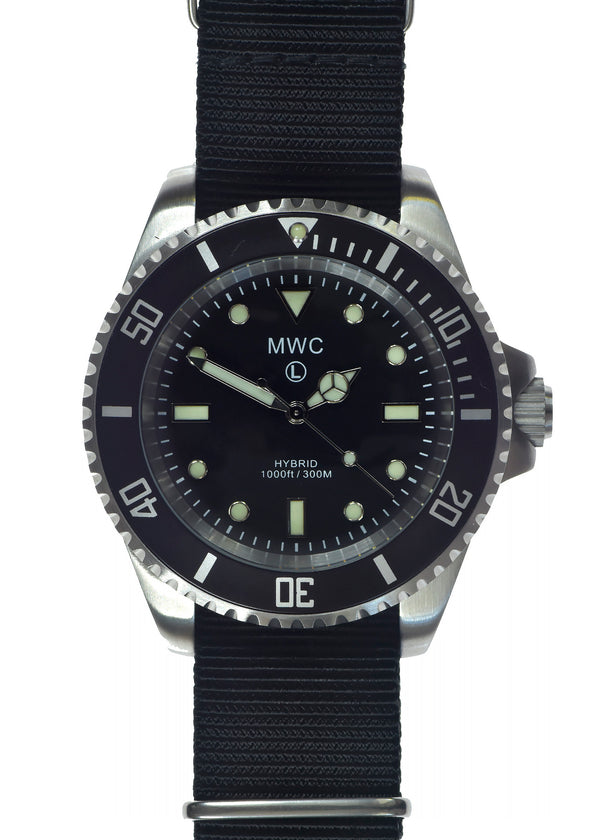 MWC 300m / 1000ft Stainless Steel Hybrid Military Divers Watch with Sweep Secondhand