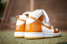 Load image into Gallery viewer, Nike SB Dunk Hi - SHELL CORDOVAN