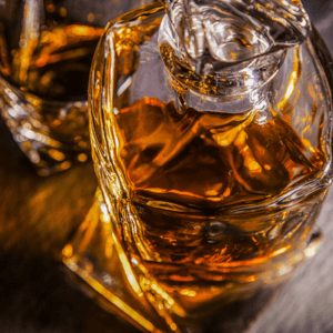 6 Reasons Why You Should Use a Whiskey Decanter