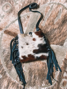 Laredo Mini Cowhide Crossbody {tri}