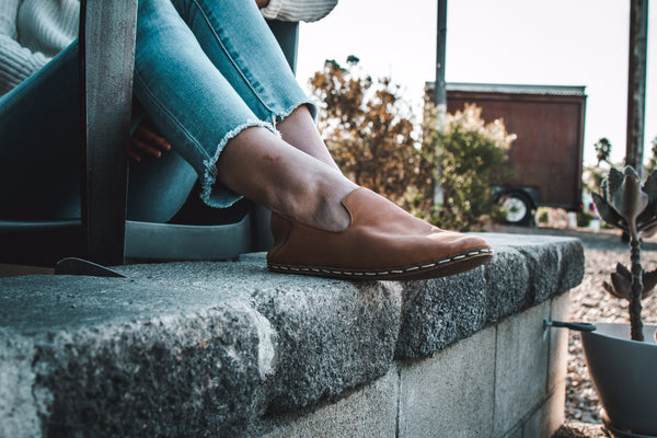 "The Manual: ""Earthing Shoes Are the Latest Natural Health Trend People Are Obsessing Over"""