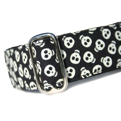 Glowing Skullz Buckle Collar