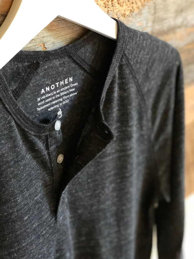Anothen 'Insignia' Collection - Men's Dark Heather Grey 3/4 Sleeve Henley