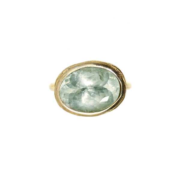 A Ring with aquamarine