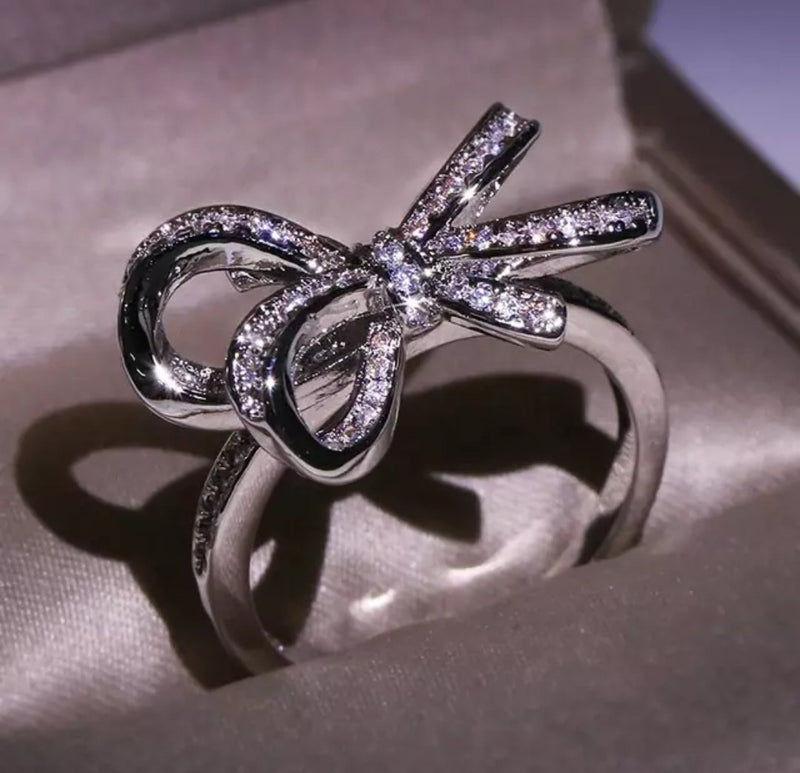Twisted Knot Ring (Platinum Polish) - ellipstore