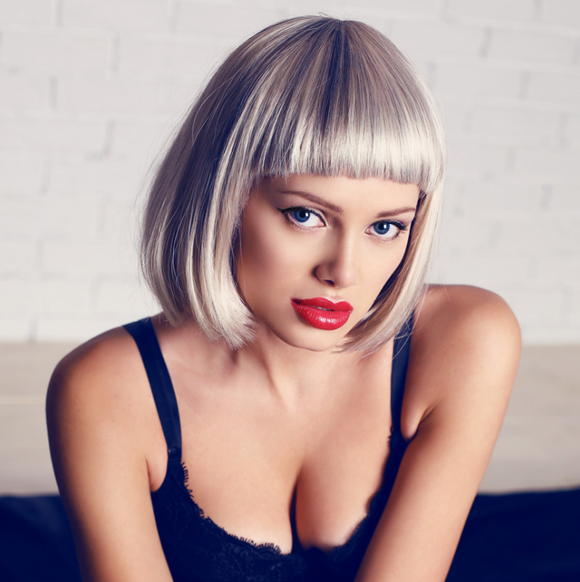 Straight Short Bob Wigs With Bangs Natural Blonde 10