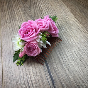 Fresh flower hair clip