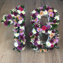 Load image into Gallery viewer, Fresh hand made floral numbers