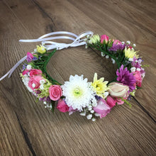 Load image into Gallery viewer, Fresh hand made flower crown