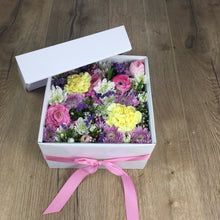Load image into Gallery viewer, CUSTOM BOX OF FLOWERS WITH LID