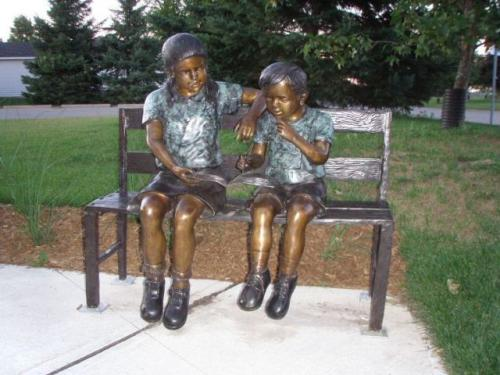 RG228-Lending a Helping Hand Library Statue of children reading