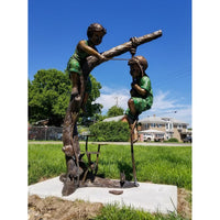Huck and Finn Bronze Statue