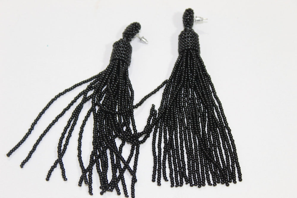Black tassel beads earrings
