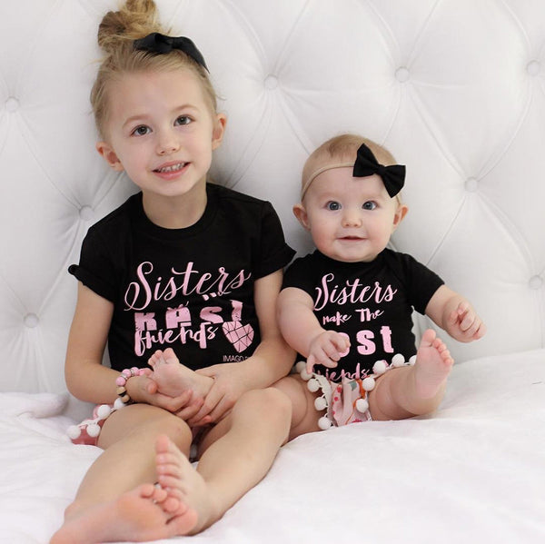 """Sister's make the Best Friends"" T-Shirt"
