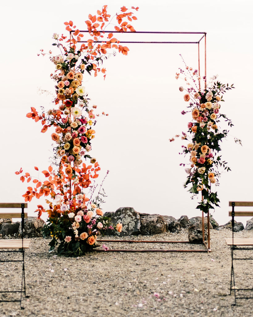 Chinese Wedding Backdrop with Fresh Flowers
