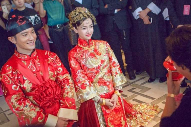 Crazy Rich Asian Weddings, Chinese Wedding of Angelababy, Chinese Wedding Dress Qun Kua