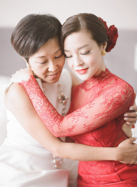 12 Beautiful Chinese Wedding Traditions and Customs, Hair Combing Ceremony, By East Meets Dress