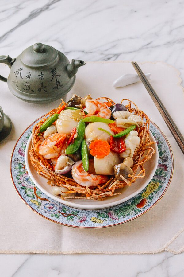East Meets Dress Traditional Foods to Serve at Chinese Wedding Banquet, Scallop