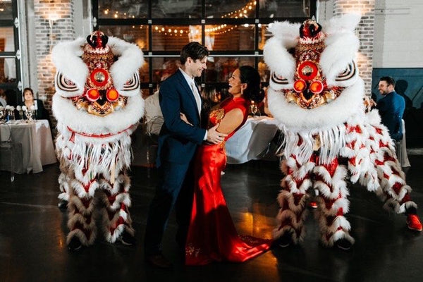 Modern Chinese Wedding Banquet Decorations, Lion Dancers Entertainment