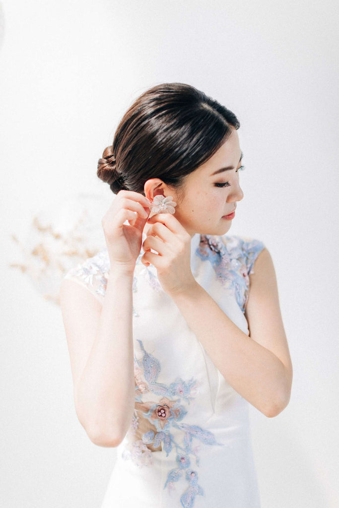 Chinese Wedding Tradition Ideas, Modern White Cheongsam and Jade Jewelry