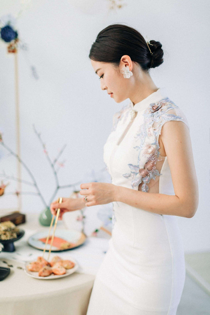 Chinese Wedding Tradition Ideas, Modern White Cheongsam