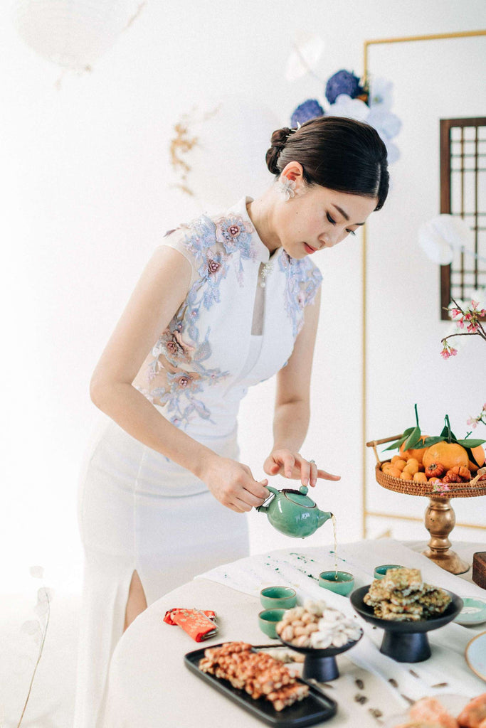 Chinese Wedding Tradition Ideas, Modern White Cheongsam and Tea Ceremony
