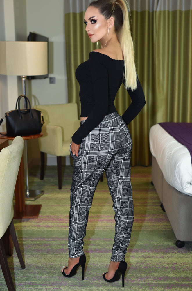 Shenice Flocked Grid Trousers