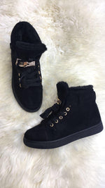 Jaya Black Detailed Fur Lined Cosy Boots