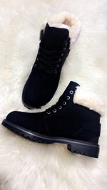Anette Black Fur Cosy Boots