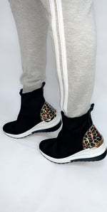 Runner Sock Trainer in Gold Leopard - Missfiga.com
