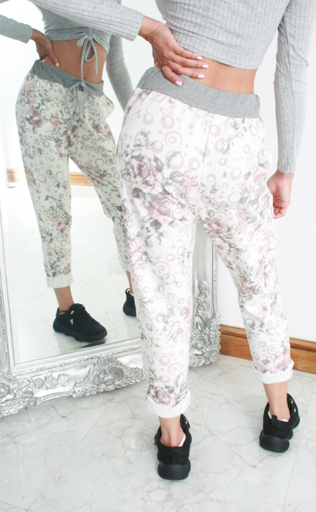 Ivory Sketched Pattern Contrast Band Joggers