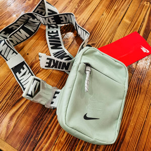 "Nike Essentials Small Hip Pack ""Mint Green"" (Pistachio/Black)(BA5904-321)"