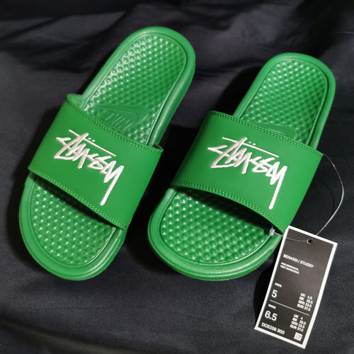 Nike x Stussy 2.0 Embroidered Benassi Slides (Pine Green/White)(DC5239-300)