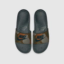 "Nike Benassi ""Just Do It"" Print Midnight Spruce"