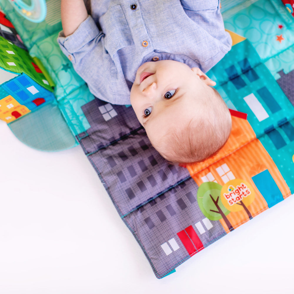 Bright Starts BS10416 (10/30) Easy Travel Playmat - Out on the Town